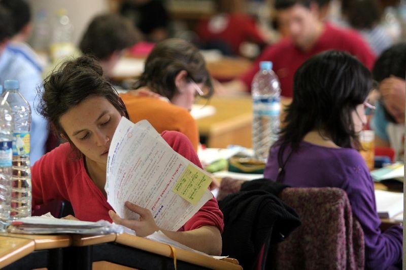 ansiedad y estres en estudiantes universitarios pdf